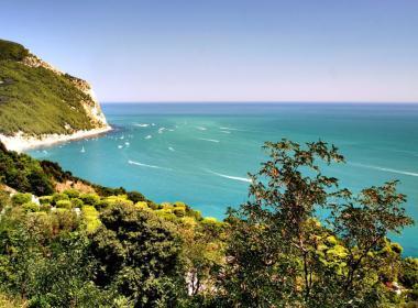 Viaggio nelle Marche, lungo la Costa Adriatica da Recanati al Monte Conero